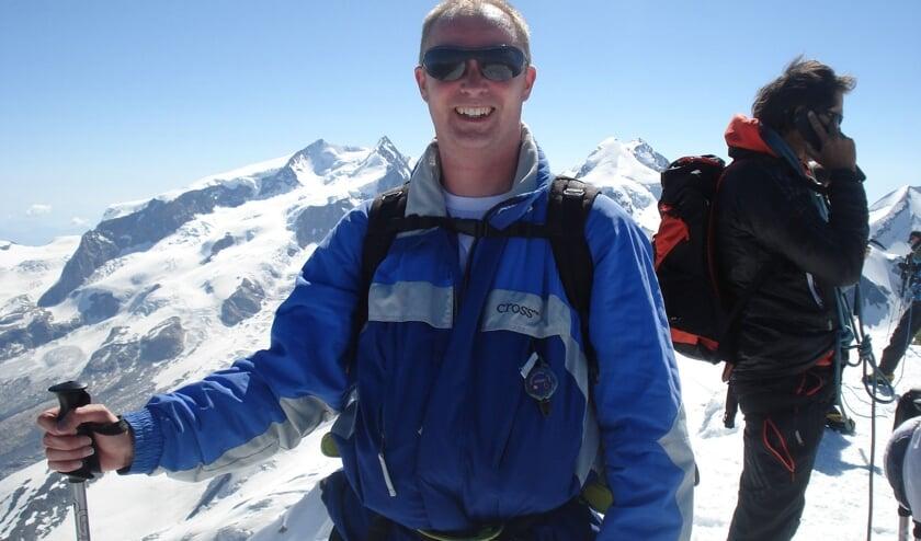 <p>• Andries Kraaijeveld beklimt de Mont Blanc voor de Hartstichting.</p>