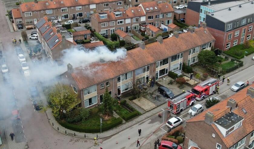 • Brand in een tussenwoning aan de Hoogaarslaan in Nieuw-Lekkerland.