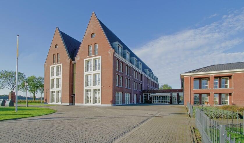 <p>De Kloosterhoeve in Raamsdonksveer, waar 51 mensen met Huntington zorg krijgen.</p>