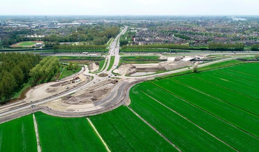 <p>&bull; De nieuwe op- en afrit van de A15, N3 en N214 ter hoogte van Papendrecht.</p>