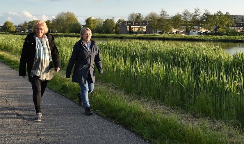 <p>&bull; Hanneke en Alice krijgen energie van wandelen.</p>
