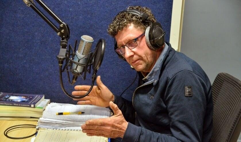 <p>Al 25 jaar verzorgt Ronald Vergeer op donderdagavond, het weerpraatje bij Radio Stad Montfoort.&nbsp;</p>