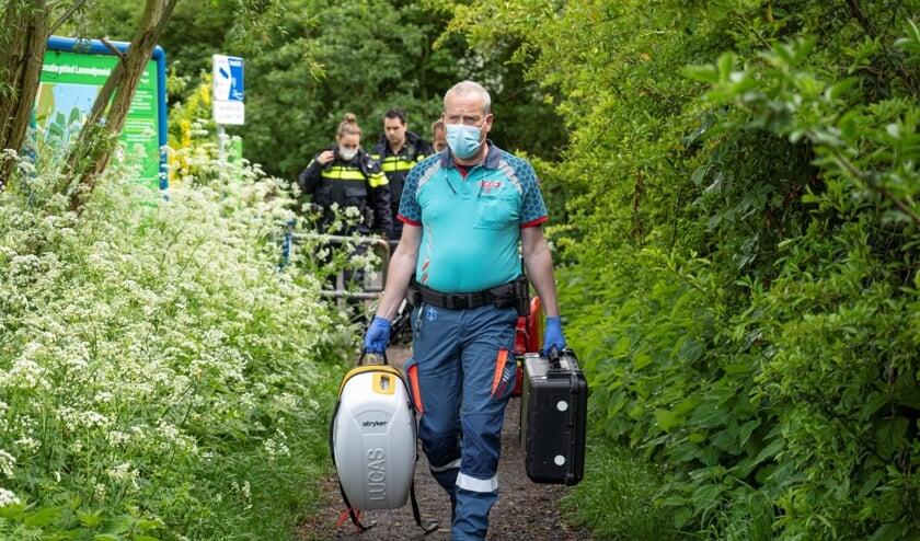 <p>&bull; Een medewerker van de ambulancedienst met een apparaat voor reanimatie trok naar het bos bij het Lammetjeswiel.</p>