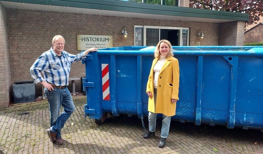 • Voorzitter Ronnie Hendriks en wethouder Christa Hendriksen.
