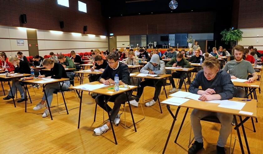 <p>&bull; Examen doen met achter je rug een gezellige bar. Landvast ontvangt deze dagen examenklassen.</p>