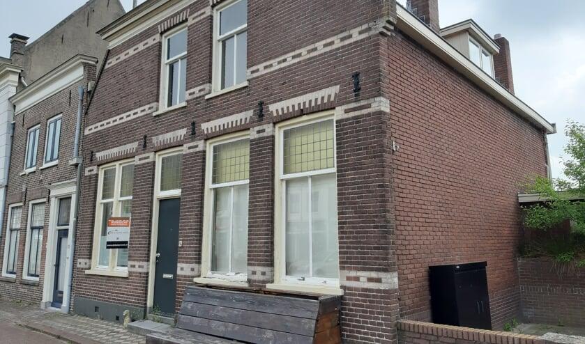 <p>&bull; Joke Smit woonde aan de Voorstraat 94 in Vianen.</p>