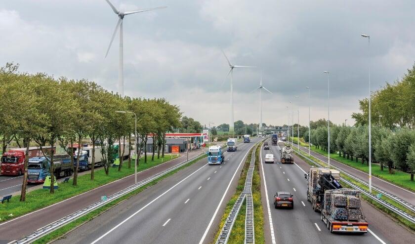 <p><em>Het ministerie doet onderzoek naar maatregelen&nbsp;</em><em>voor de langere termijn om de doorstroming en de verkeersveiligheid op de A15 tussen Papendrecht en Gorinchem te verbeteren.</em></p>