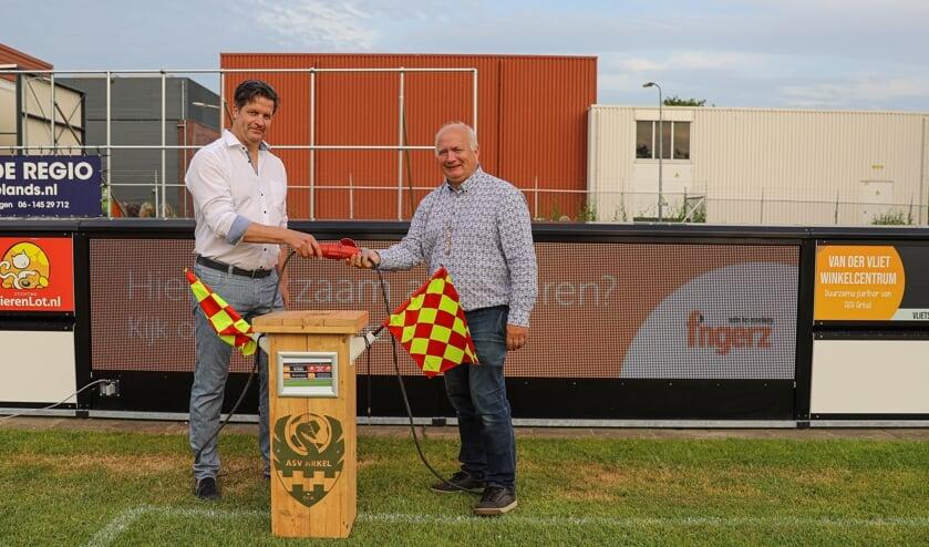 <p>• Bram Visser en Peter de Vries stellen de Greenboarding in gebruik.</p>