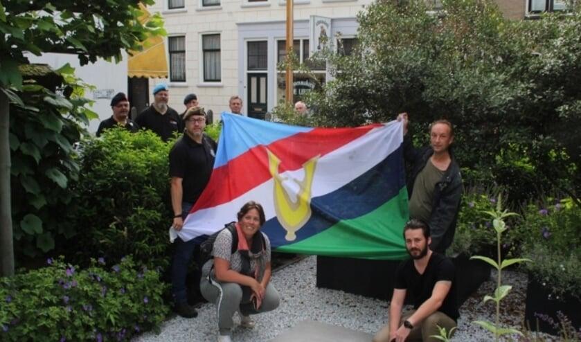 <p>Voor het eerst konden de IJsselsteinse Veteranen op Nationale Veteranendag midden in de stad hun vlag hijsen.</p>