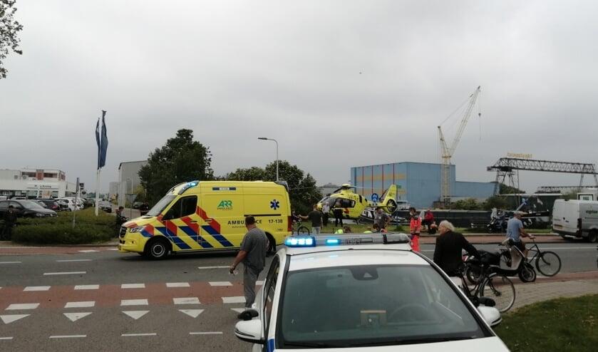 • Op de Van der Giessenweg raakte een fietser zaterdagmiddag ernstig gewond na een aanrijding met een bestelbusje.