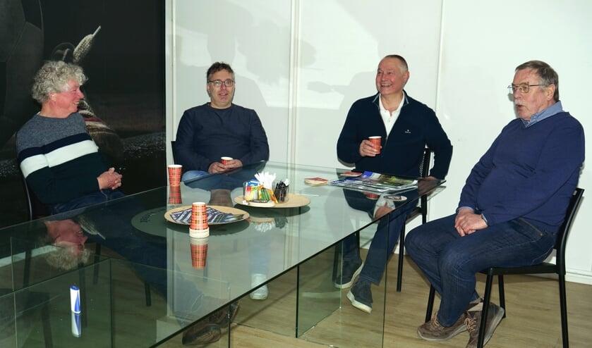 <p>&bull; De vier voorzitters, met v.l.n.r. Bert de Jonge, Steven Wierckx, Joop Zwager, Jan van Walsem.</p>