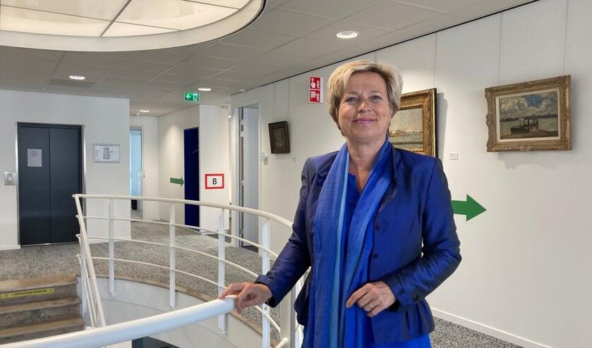 • Annemiek Jetten in het gemeentehuis van Papendrecht.