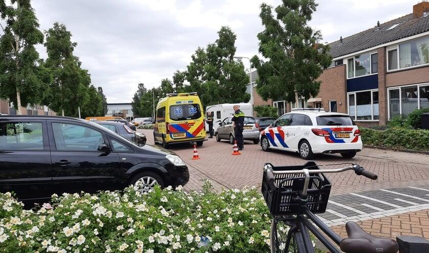 <p>• Politie en ambulance zijn aanwezig na het ongeval.</p>