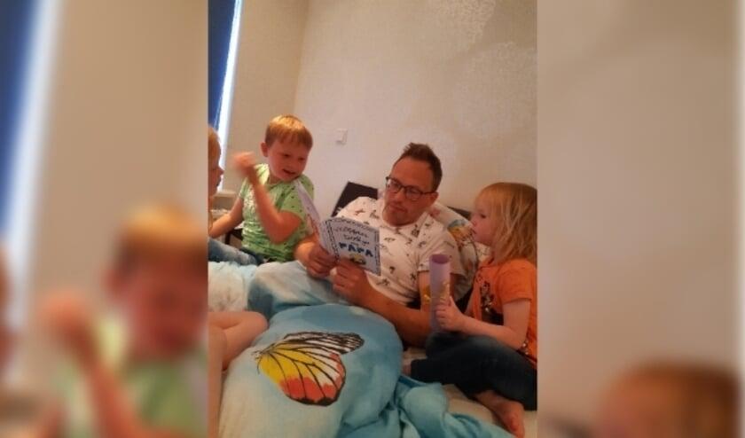 Papa Ben de Vor werd in bed verwend door zijn kinderen.