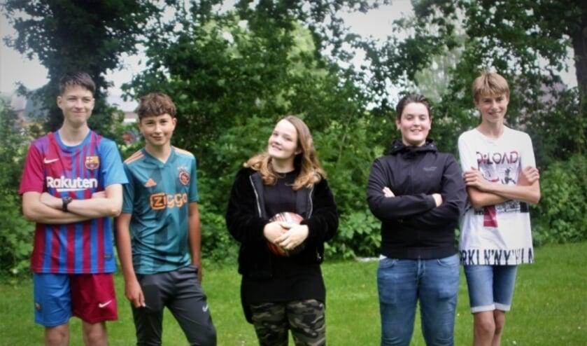 <p>De jeugd van Ochten is blij met de komst van een voetbalkooi op het trapveldje aan de Verlengde Schoolstraat.&nbsp;</p>