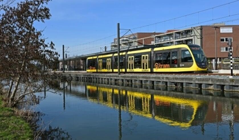 <p>De nieuwe tram bij de halte IJsselstein-Zuid.&nbsp;</p>