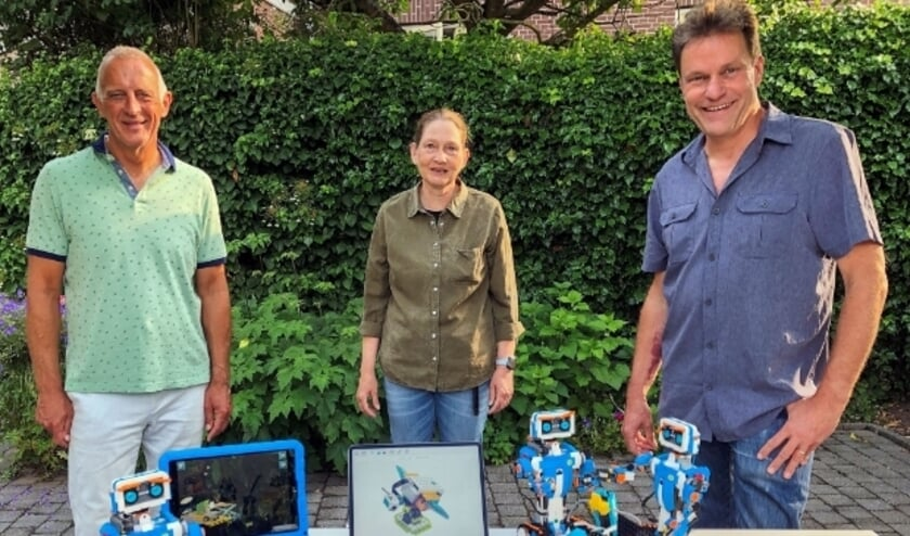 <p>Het bestuur van De Steenfabriek Montfoort met v.l.n.r. Pedro Jooren, Christina Heeringa en Willy klein Gunnewiek. &nbsp;&nbsp;</p>