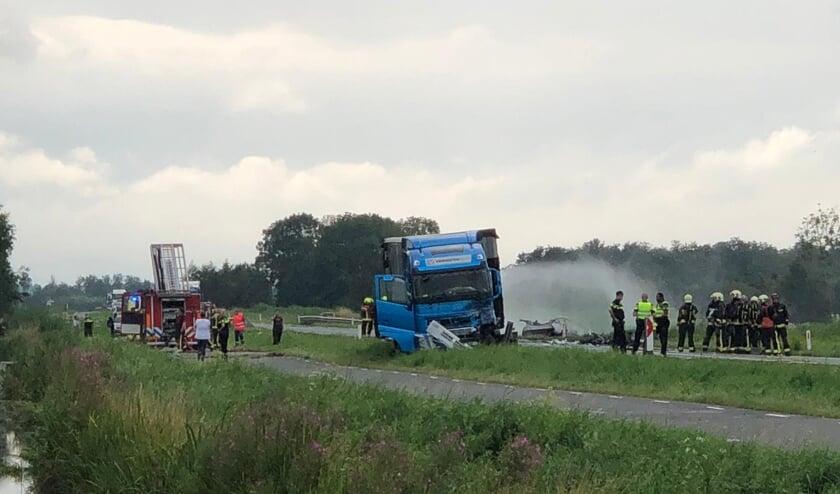 <p>&bull; Als gevolg van het ongeval vatte een vrachtwagen vlam.&nbsp; &nbsp;</p>
