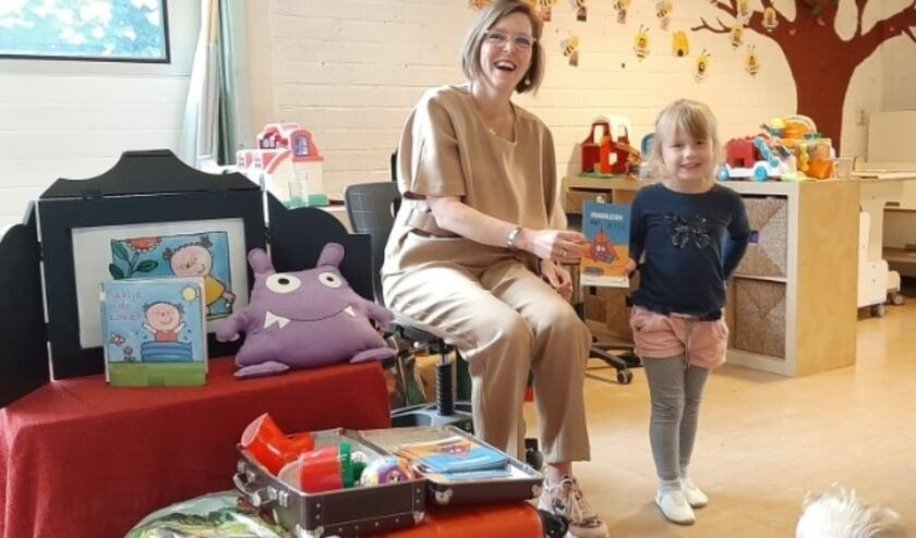 <p>Wethouder Eveline Schell heeft woensdag de eerste Bip-boekjes uitgedeeld aan kinderen van Kinderopvang Purkie.&nbsp;</p>