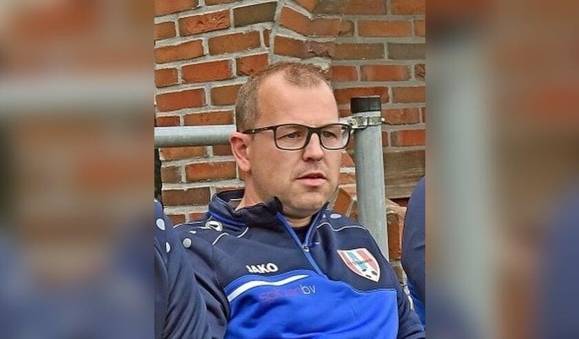 • Marcel de Groot, de nieuwe hoofdtrainer van Herovina.