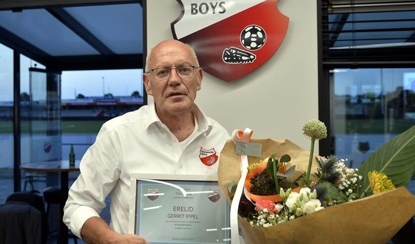 <p>• Gerrit Ippel is benoemd tot erelid van Kozakken Boys.</p>