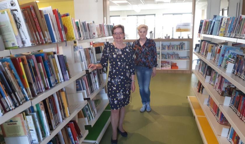 <p>• Bibliotheekvrijwilligers Teunie van den Berg en Anja Bor.</p>