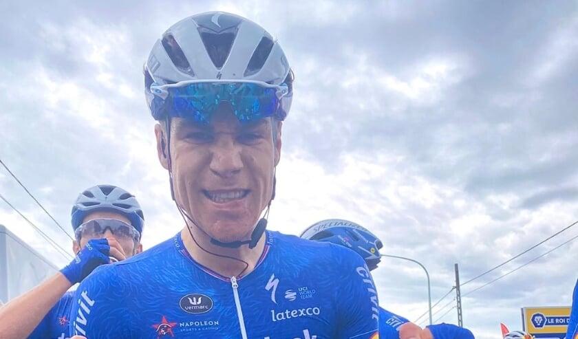 <p>• Fabio Jakobsen opgetogen over zijn twee etappezege.</p>
