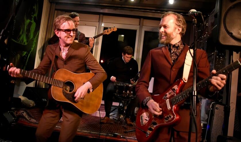 <p>The Kik met Dave Raven (l) trreedt op 10 september op in Het Kwartier in Stolwijk.&nbsp;</p>