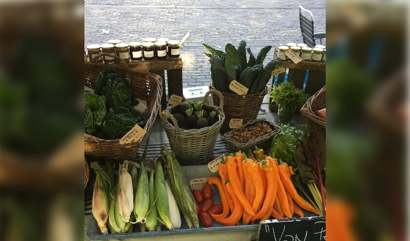<p>&bull; &nbsp;Groenten- en fruitkwekerij Van Perkouwse Grond is met een kraam aanwezig op de Oogst- & Streekmarkt.</p>