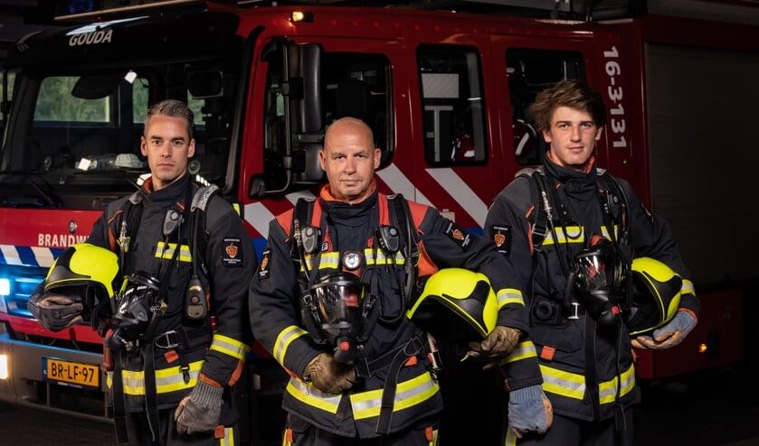 <p>Cleme Wermers, Peter Tuithof, Joey Caspers schitteren op de poster &#39;Als de brandweer...&#39;</p>
