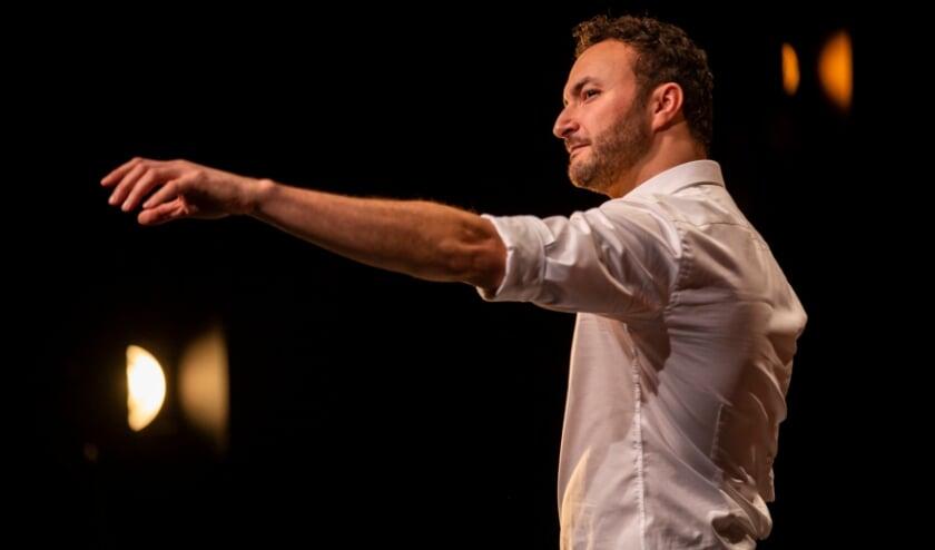 <p>Zaterdag 18 september staat meesterverteller en acteur Nasrdin Dchar in het Isala Theater. &nbsp;</p>