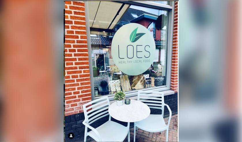 • Loes is gevestigd aan het Oude Veer in Papendrecht.