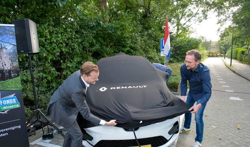 <p>Vrijdagmiddag werd de deelauto Linschoten onthuld.</p>