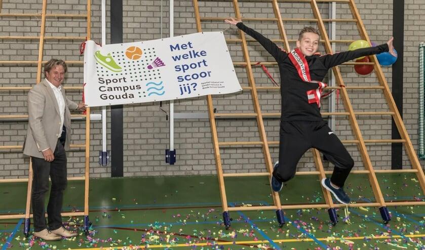 <p>Wethouder michiel Bunnik opende samen met kinderwethouder Kyan van Wetten de Schoolcampus Gouda</p>