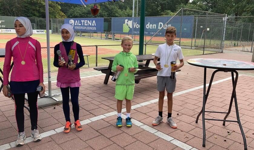 <p>Maryam Galal, Arwa Galal, Thijmen Engelaar en Kosta Stanojcic.&nbsp;</p>