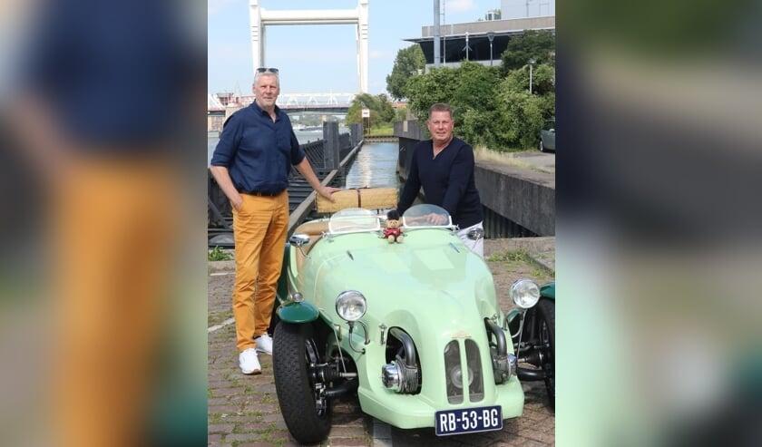 • Harry Eskes (links) en Stefan de Kreek van Riverside Car Classic.