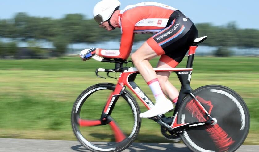 • Dirk Jan Verspuij op weg naar de overwinning.