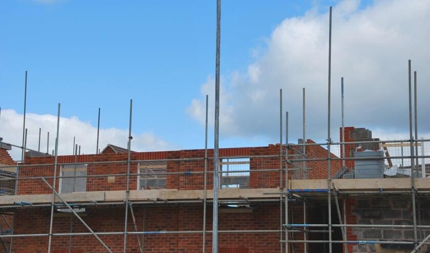 <p>&nbsp;Vanwege de hoge kosten komen veel woningbouwprojecten stil te liggen. </p>