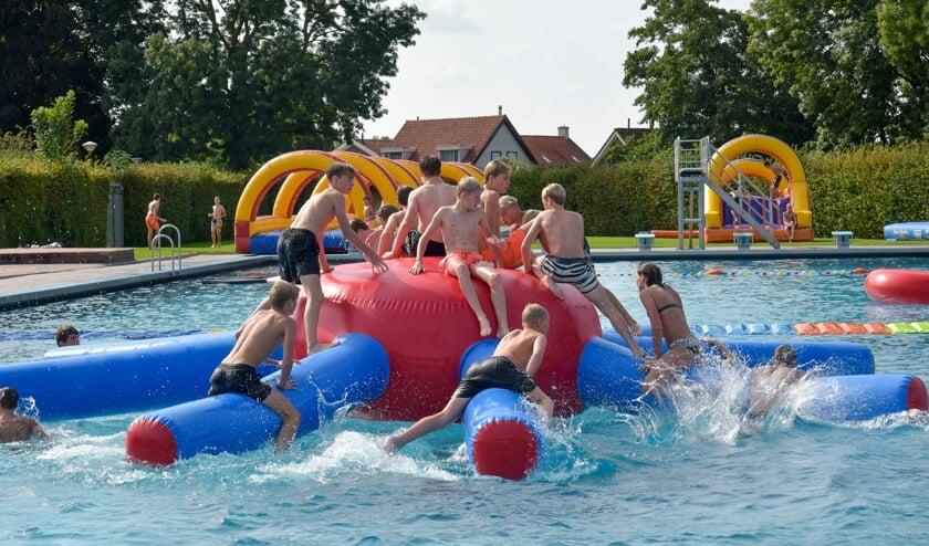 Montfoort 18-09-2021 KidsSpektakel als afsluiting van het zwemseizoen in het Knopenbad. De spin was in trek
