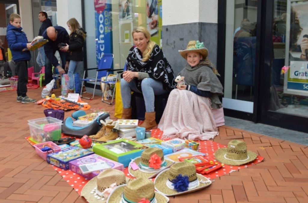 <p>Archieffoto van een vrijmarkt in Dronten.</p>