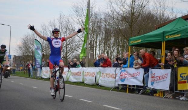 <p>Dit jaar geen start en finish in Dronten, maar bij Flevonice.</p>