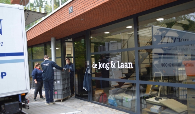 Verhuizers in actie bij De Jong & Laan