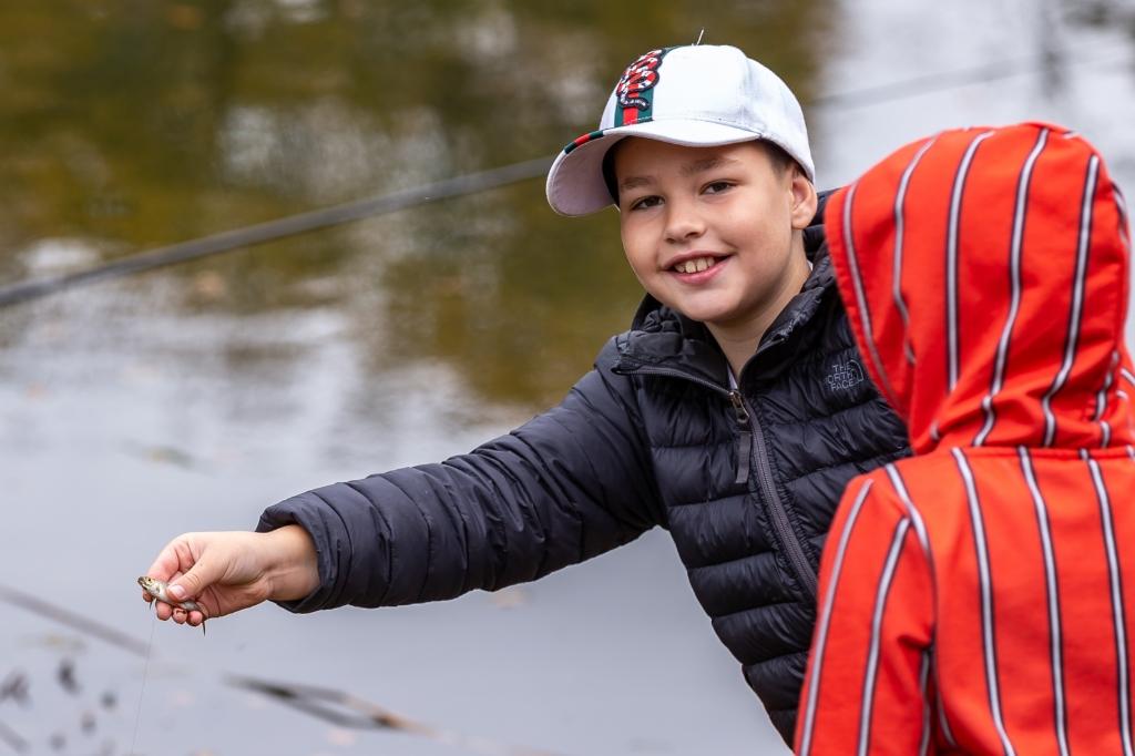 Viswedstrijd Buurtvereniging Bollebieste. Pedro Sluiter