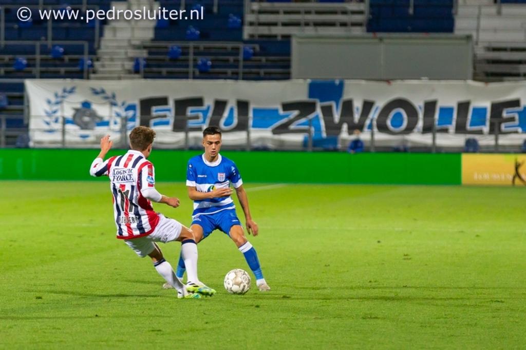 Eliano Reijnders in actie tijdens PEC Zwolle - Willem II. Pedro Sluiter © brugmedia