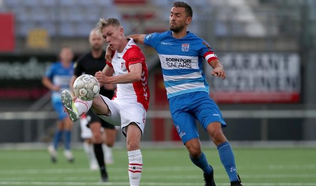 <p>Aanvoerder Bram van Polen vierde zijn contractverlenging van eerder deze week met een doelpunt en een driepunter op zaterdag.&nbsp;</p>