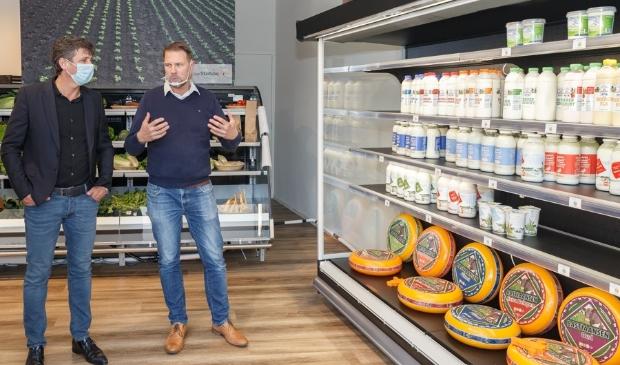 <p>Opening winkel Uw Stadsboer door Remco Sluiter en Jacco Vonhof.</p>