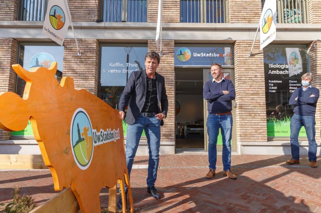 Opening winkel Uw Stadsboer door Remco Sluiter en Jacco Vonhof. Pedro Sluiter