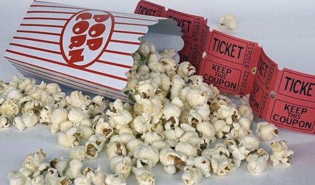 Eigen popcorn meenemen.