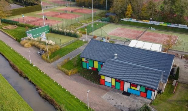 <p>Tennisvereniging Zwolle 750.</p>