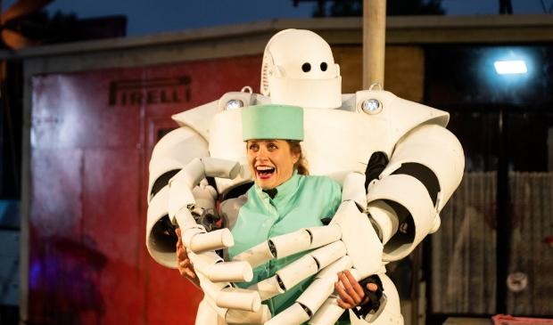 <p>Openluchtvoorstelling Robot door Vis-&agrave;-Vis</p>